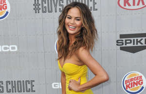 In April 2017, model Chrissy Teigen made a fan's dream come true when she don...