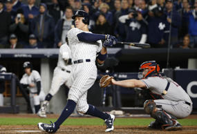Aaron Judge's three-run homer and sparkling defense helped the Yankees win Game ...