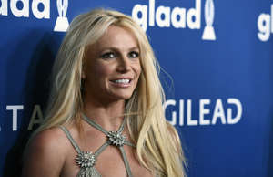 """Britney Spears arrives at the Los Angeles premiere of """"Once Upon a Time in Holly..."""