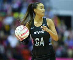 Maria Folau has inked a one year deal with the Adelaide Thunderbirds.