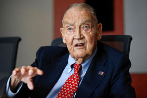 Jack Bogle, founder and retired CEO of The Vanguard Group, speaks during the Glo...